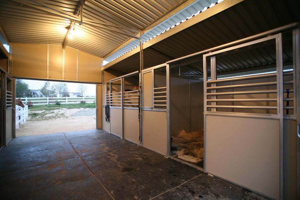 Raised Center Aisle Barns Fcp Building